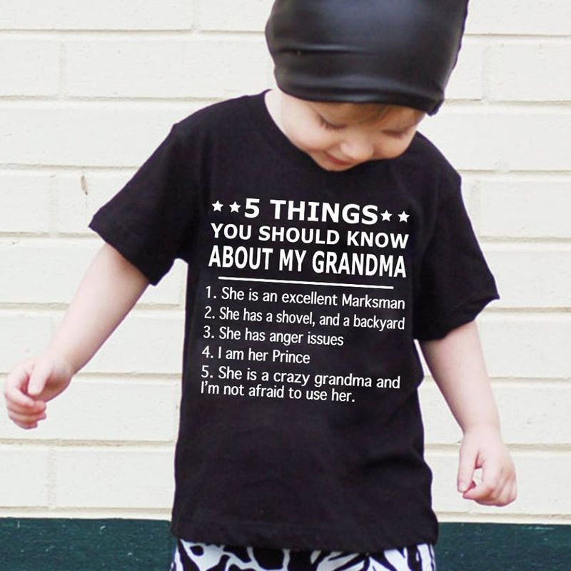5 Things You Should Know About My Grandma 1 She Is An Excellent Marksman T-shirt Black B4