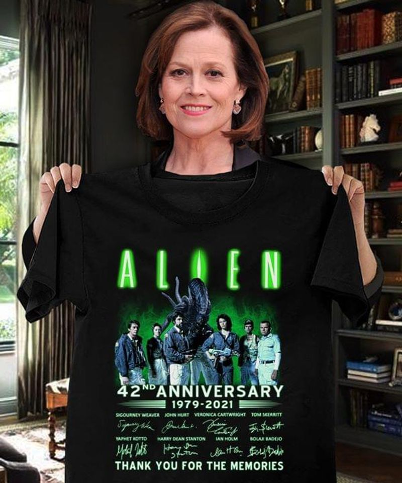 Alien 42Nd Anniversary 1979 2021 Thank You Image And Signatures Black T Shirt Men And Women S-6XL Cotton
