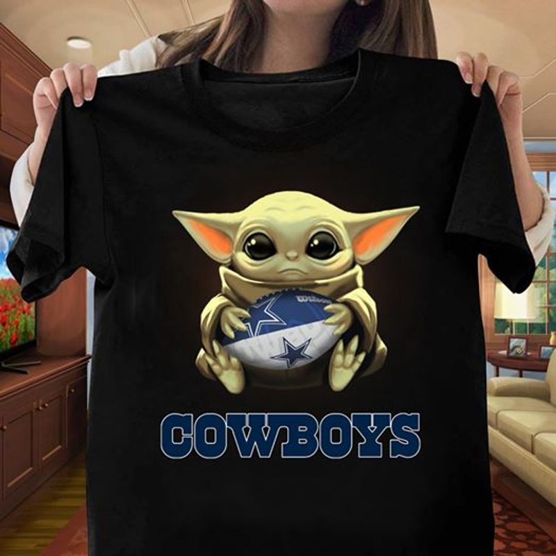 Baby Yoda Hug Dallas Cowboys Football T-shirt Black