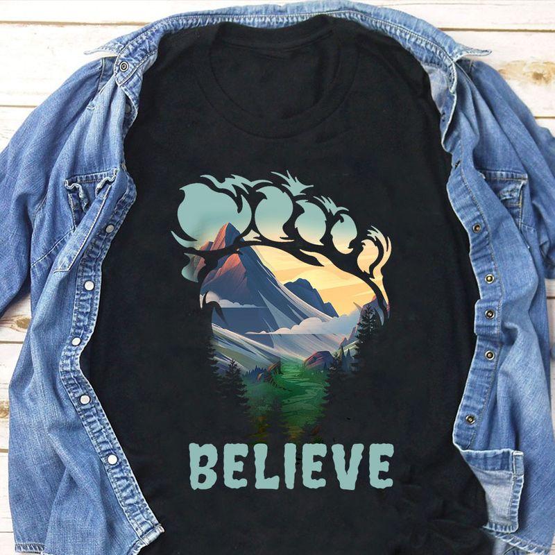 Big Foot Print Jungle Believe T Shirt Black