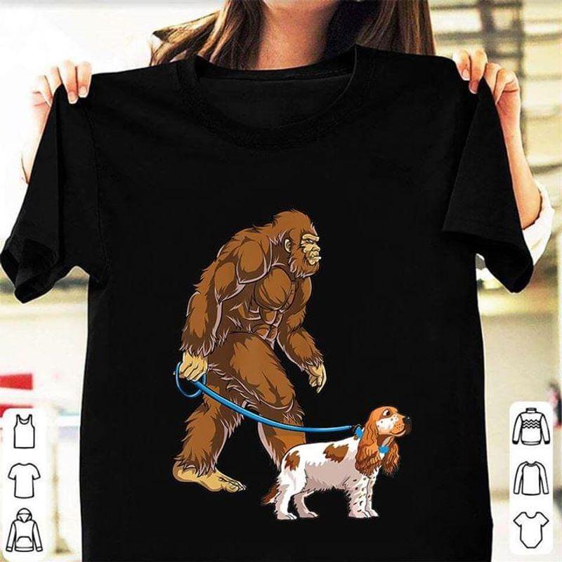 Bigfoot Sasquatch Walking Cocker Spaniel Black T Shirt Men/ Woman S-6XL Cotton