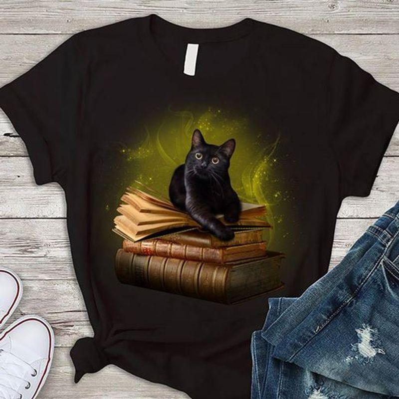 Black Cat Book T-shirt Black A8