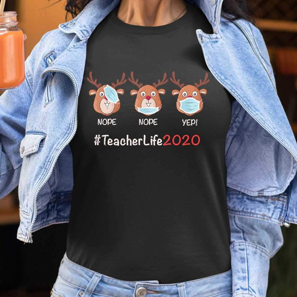 Christmas Teacher Life 2020 Reindeer Wearing Mask T-shirt
