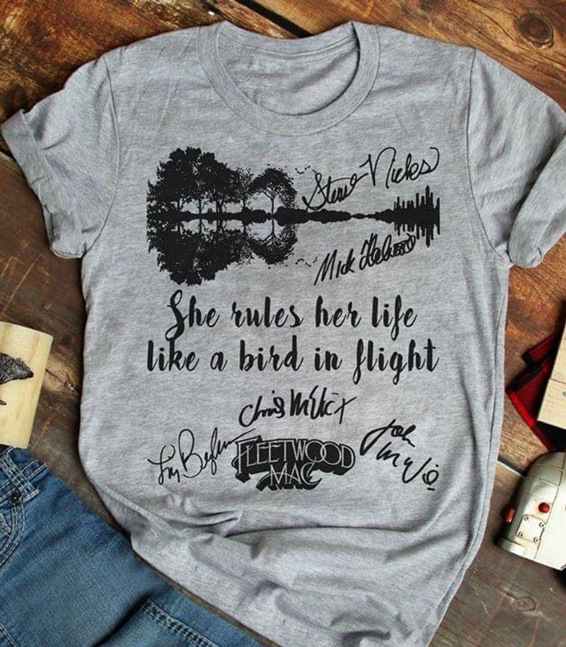 Fleetwood Mac Fans She Rules Her Life Like A Bird In Flight Guitar Signature Grey T Shirt Men/ Woman S-6XL Cotton