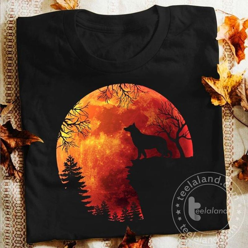 Howling Wolf Red Full Moon Halloween Gift For Wolf Lovers Black T Shirt Men And Women S-6XL Cotton