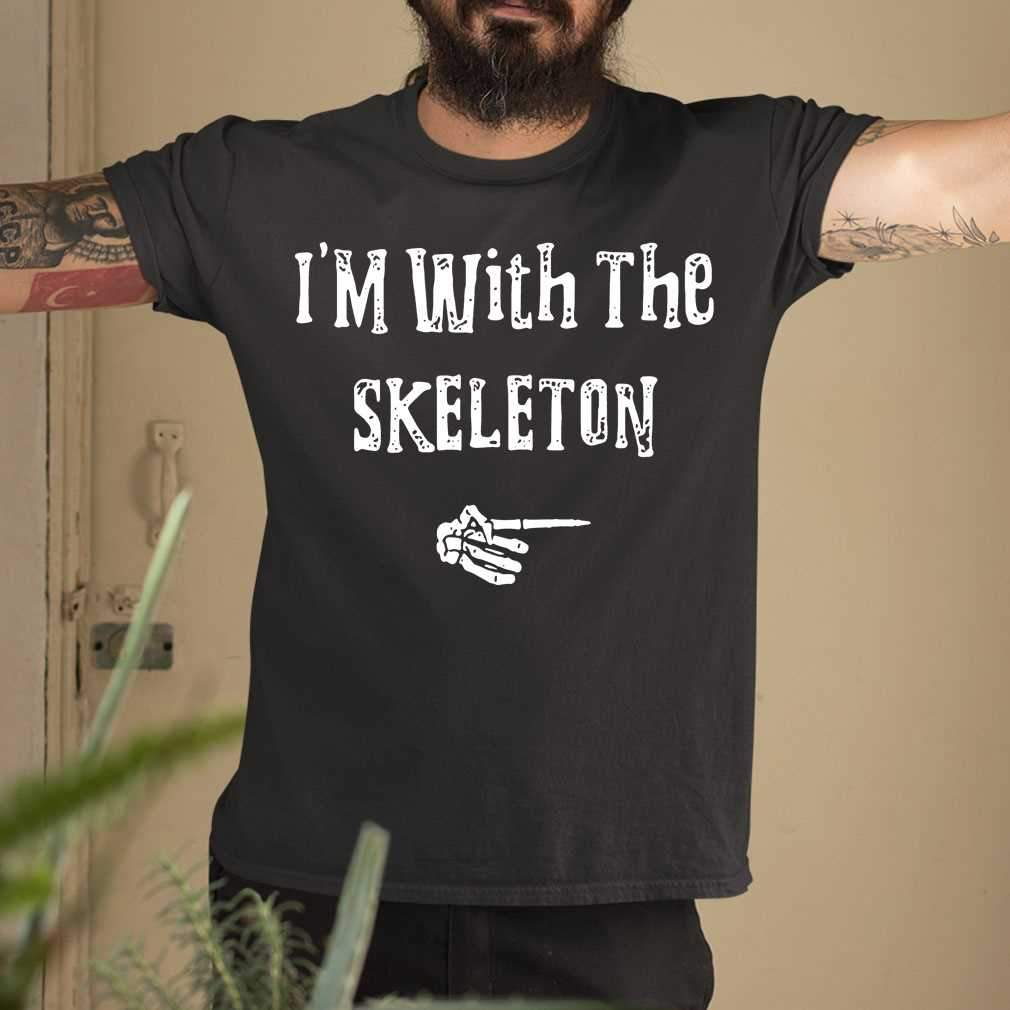 I'M With The Skeleton Halloween Couples T-shirt