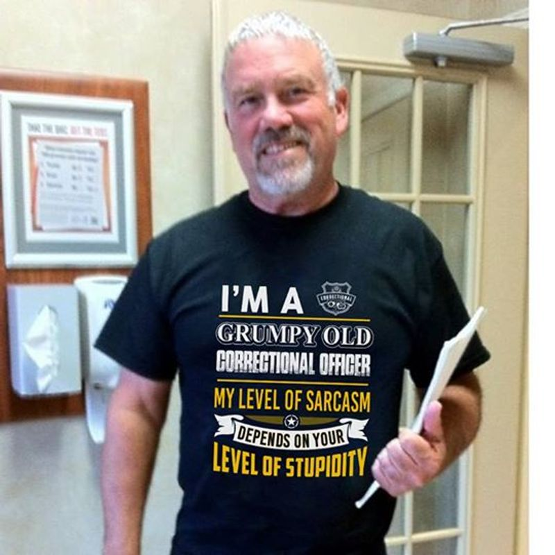 Im A Grumpy Old My Level Of Sarcasm Depends On Your Stupidity T-shirt Black B7
