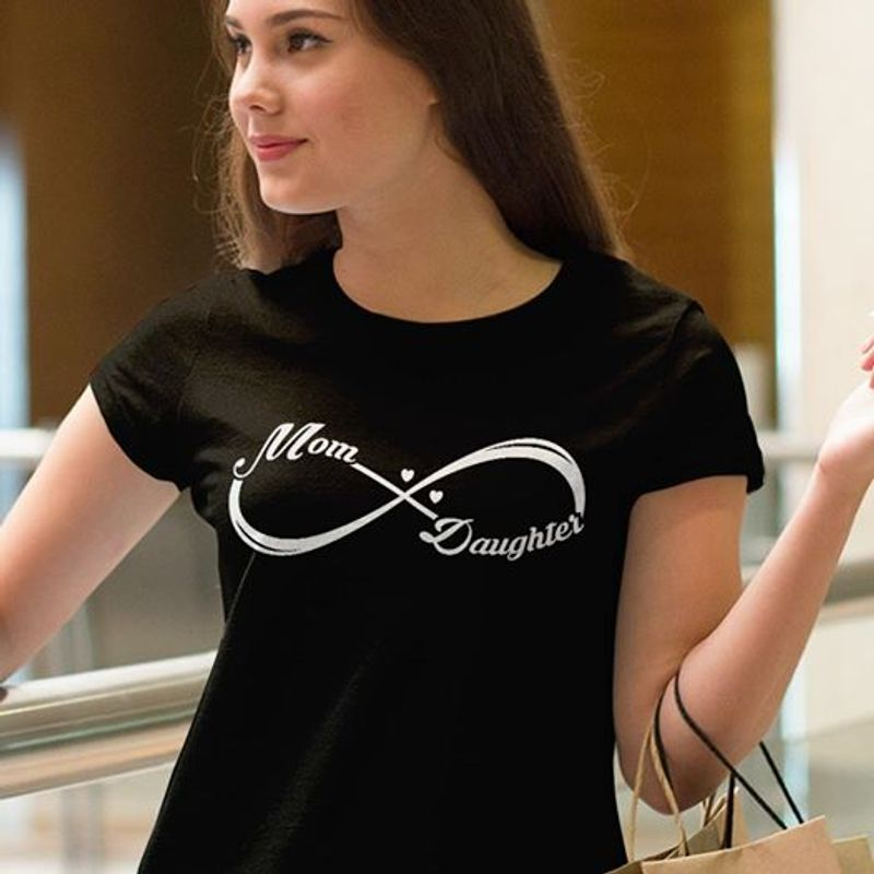Mom And Daughter T-shirt Black A8