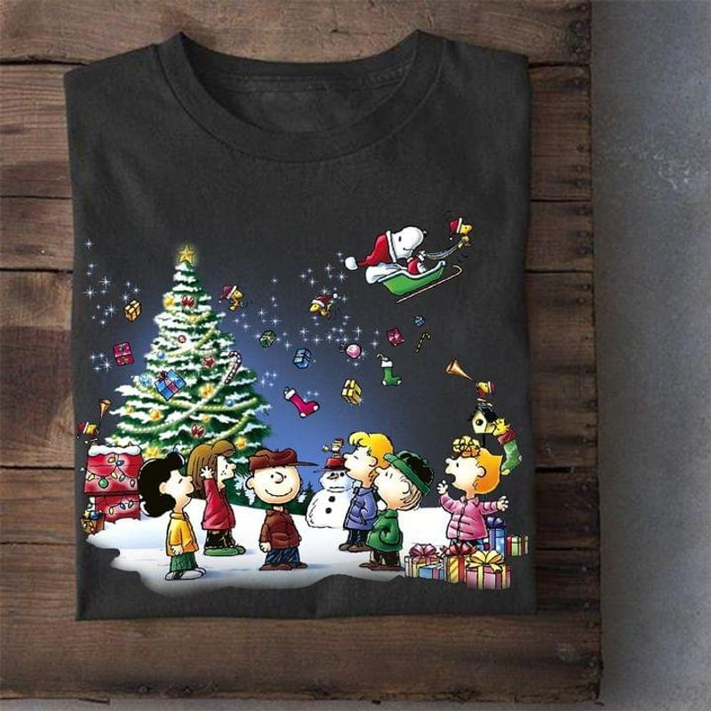 Peanuts Snoopy And Friends Christmas Vibe Shirt Christmas Gift Black T Shirt Men And Women S-6XL Cotton
