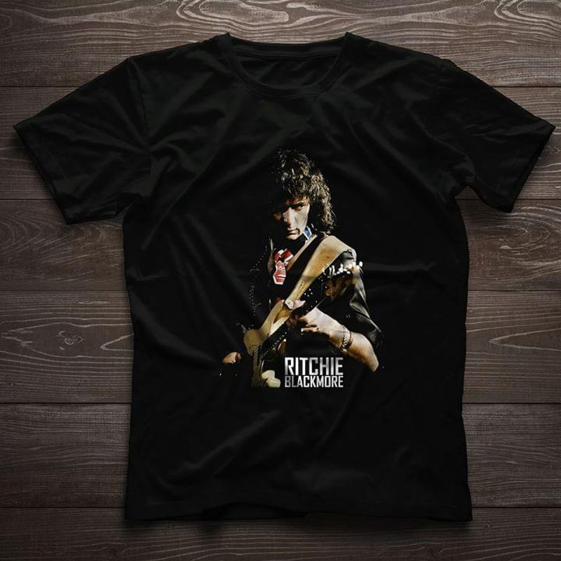 Ritchie Blackmore The Guitarist Awesome Gift For Music Lovers Black T Shirt Men And Women S-6XL Cotton