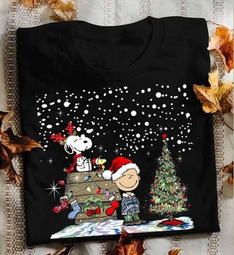 Snoopy Lovers Merry Christmas Black T Shirt Men/ Woman S-6XL Cotton