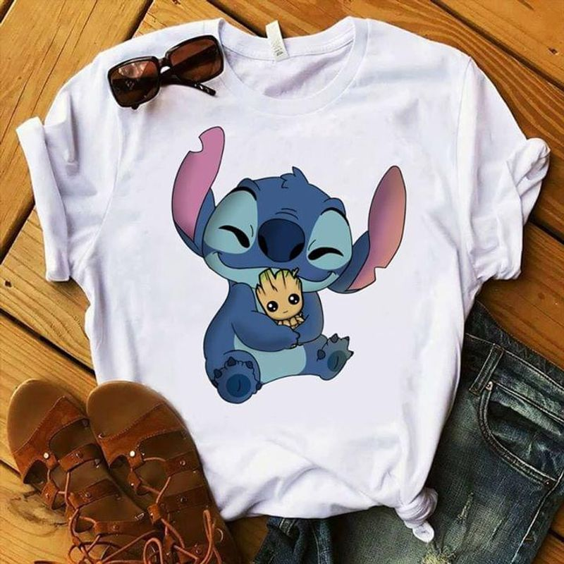 Stitch Hugging Baby Groot Lilo And Stitch Experiment 626 White T Shirt Men And Women S-6XL Cotton