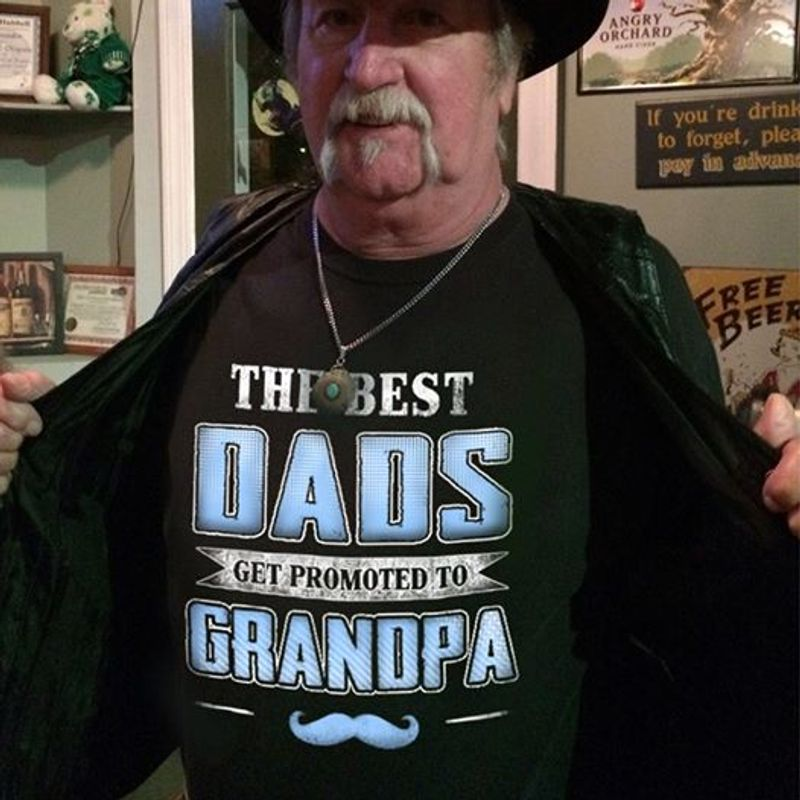 The Best Dads Get Promoted To Grandpa  T-shirt Black A5